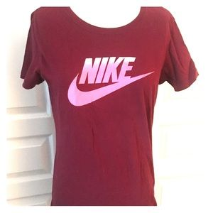 Nike Women's Burgundy T-Shirt w/logo - Sz Large